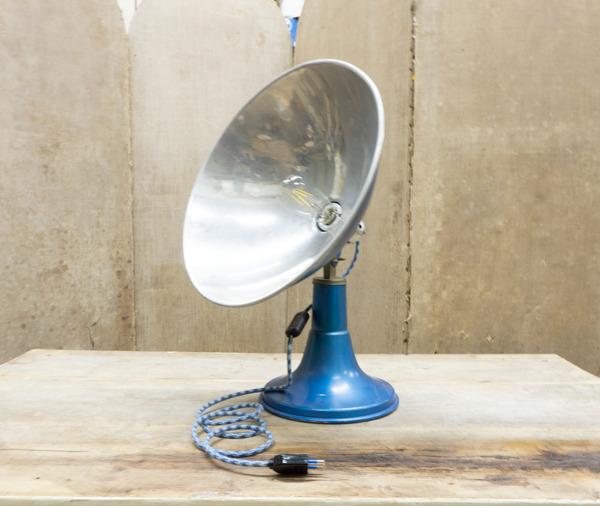 creazione Da una vecchia stufa gas abbiamo deciso di creare una lampada elettrica in pieno stile giakkemikke