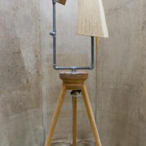 Lampada realizzata in pieno stile giakkemikke, Intelaiatura realizzata interamente a mano